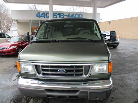 2005 Ford E-Series Wagon for sale in Willowick, OH