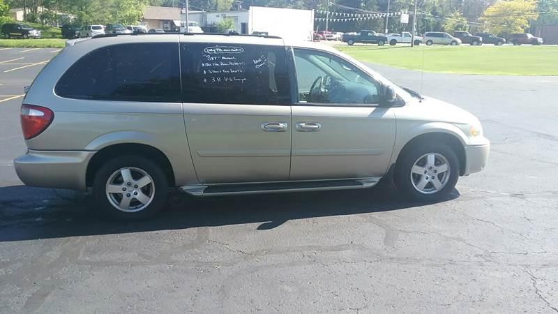 2007 Dodge Grand Caravan SXT 4dr Extended Mini-Van - Akron OH