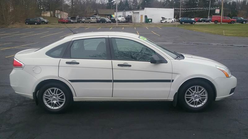 2009 Ford Focus SE 4dr Sedan - Akron OH