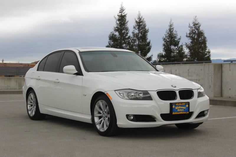 2011 BMW 3 SERIES 328I 4DR SEDAN SULEV SA white door handle color - body-color exhaust tip color