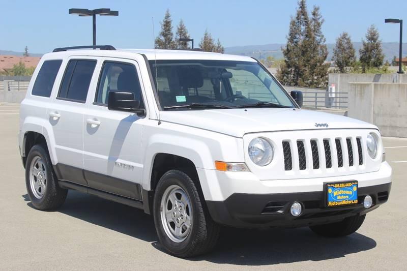 2012 JEEP PATRIOT SPORT 4DR SUV white door handle color - black front bumper color - body-color