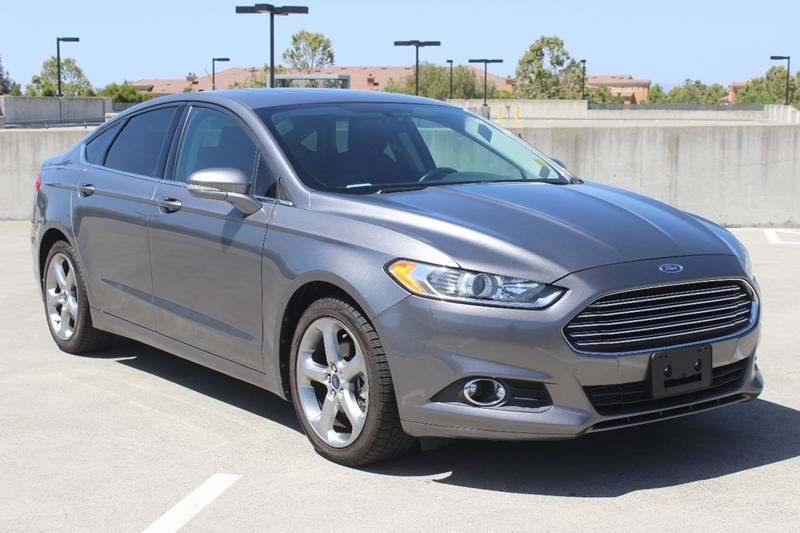 2013 FORD FUSION SE 4DR SEDAN gray door handle color - body-color front bumper color - body-colo
