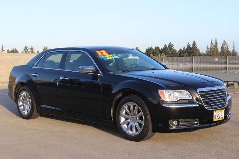 2012 CHRYSLER 300 LIMITED 4DR SEDAN black exhaust - dual tip headlight bezel color - chrome doo
