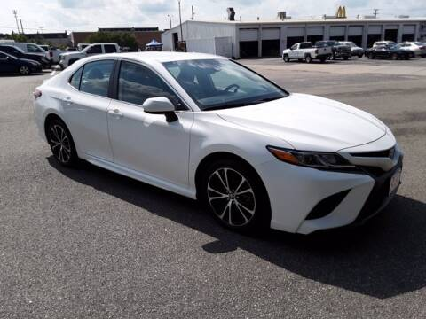 2019 Toyota Camry for sale at Strosnider Chevrolet in Hopewell VA