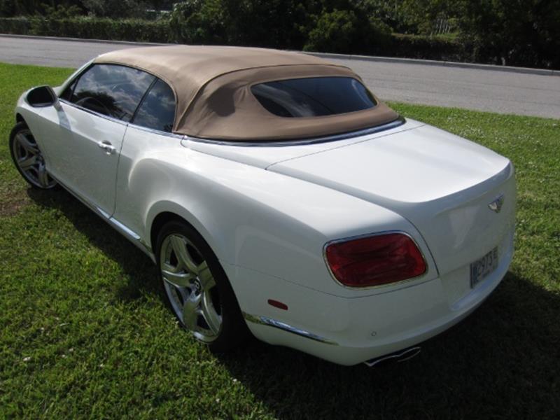 2015 Bentley Continental 23