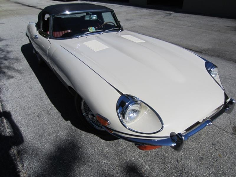 1970 Jaguar E-Type 17