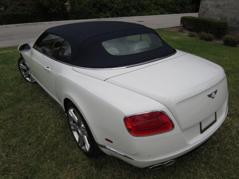2013 Bentley Continental 24