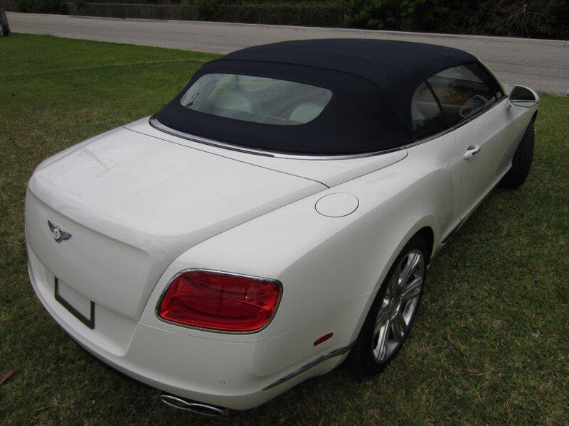 2013 Bentley Continental 23