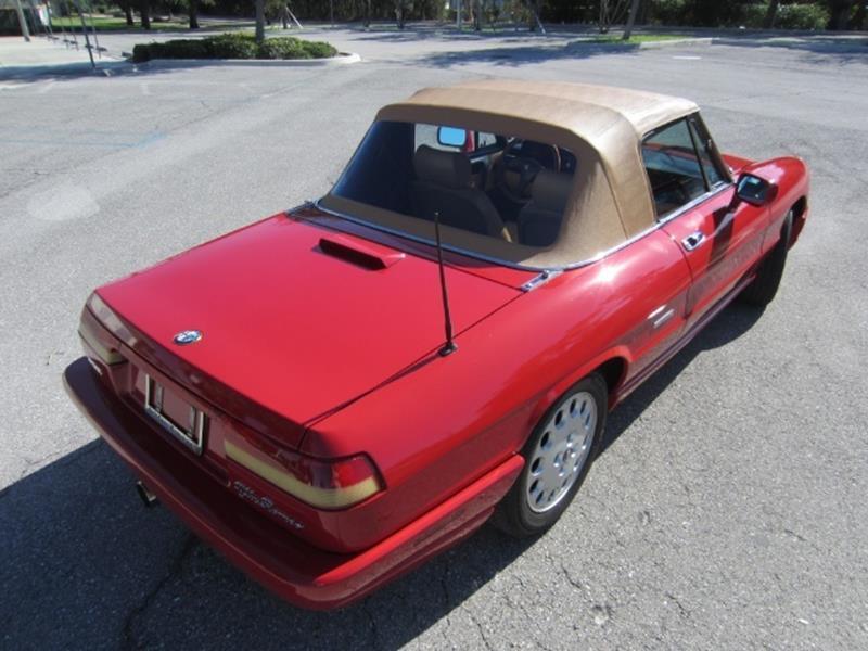 1991 Alfa Romeo Spider 18