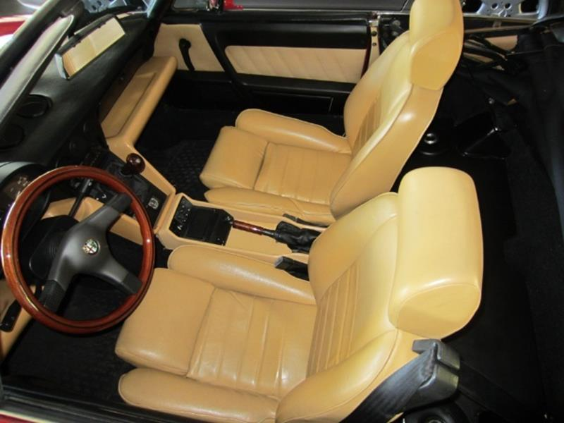 1991 Alfa Romeo Spider 8