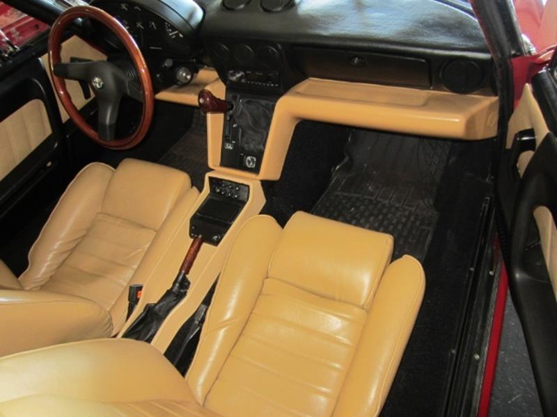 1991 Alfa Romeo Spider 4
