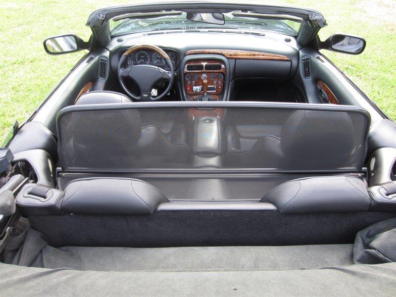 2001 Aston Martin DB7 8