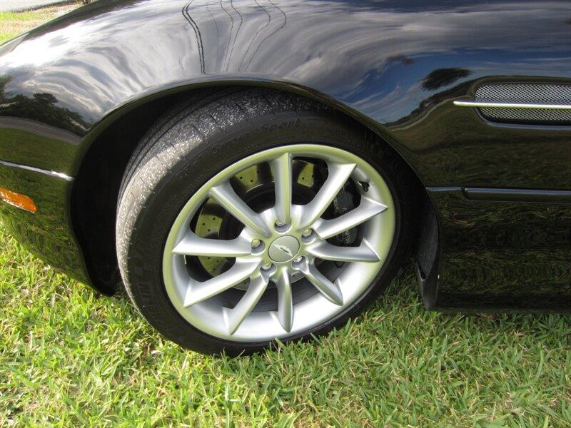 2001 Aston Martin DB7 25
