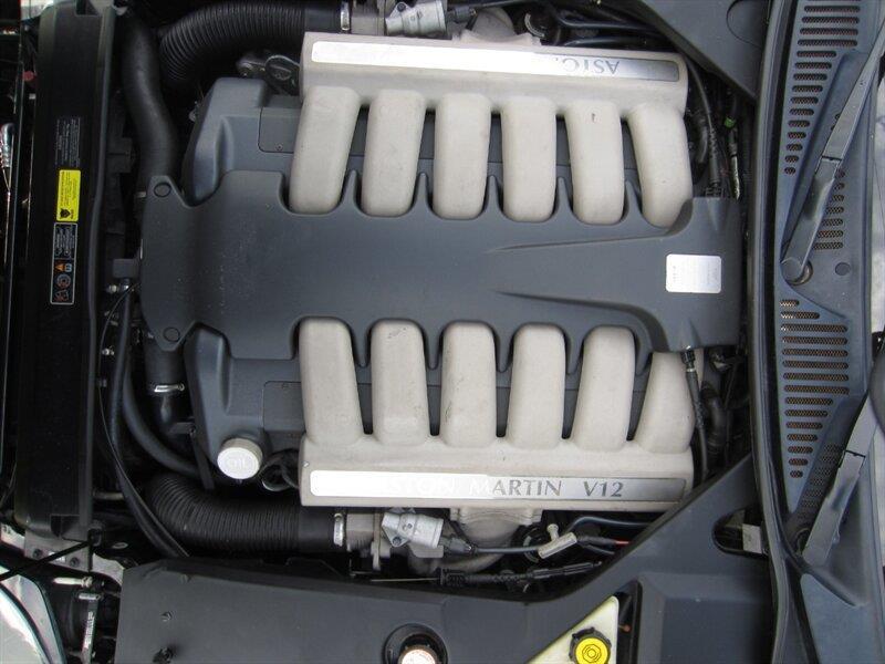 2001 Aston Martin DB7 17
