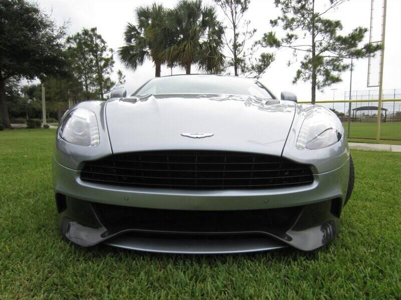 2014 Aston Martin Vanquish 16