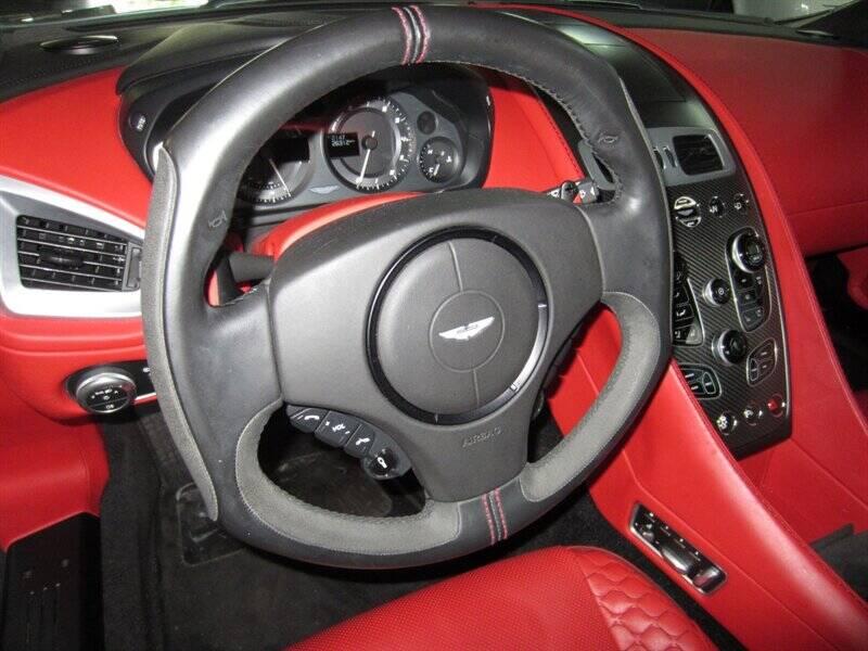 2014 Aston Martin Vanquish 10