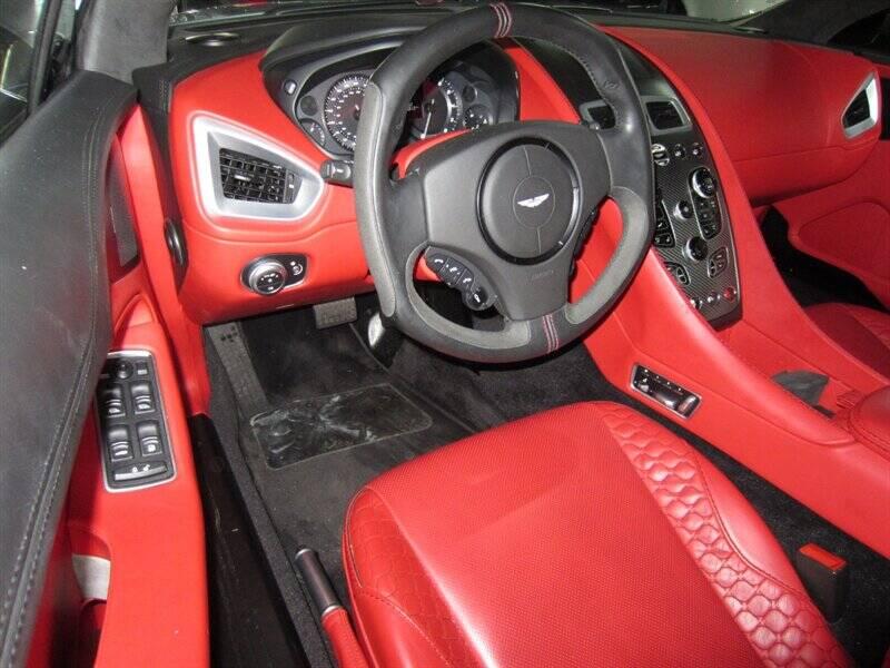2014 Aston Martin Vanquish 11