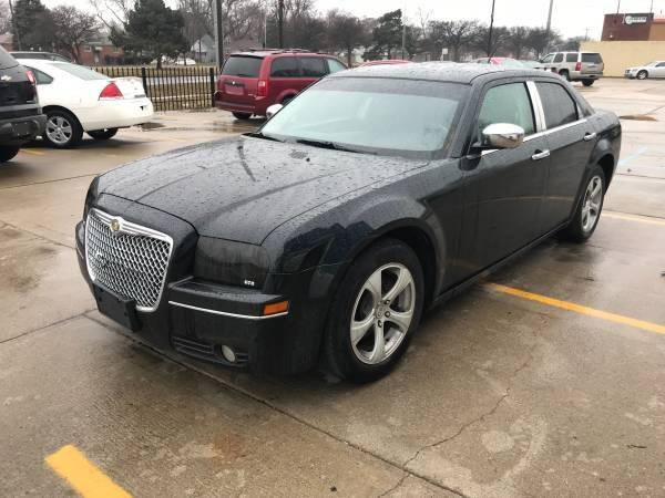2008 Chrysler 300 car for sale in Detroit