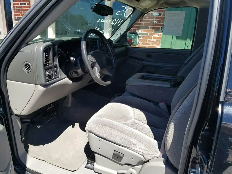 2005 Chevrolet Avalanche 4dr 1500 LS Crew Cab SB RWD - Orange TX