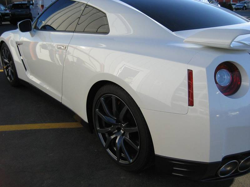2015 Nissan GT-R AWD Premium 2dr Coupe - Amherst NY