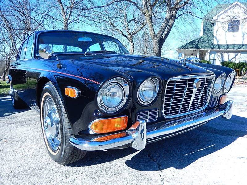 1970 Jaguar XJ red leather - Amherst NY