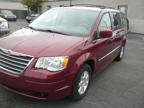 2010 Chrysler Town and Country for sale in Roseville, MI