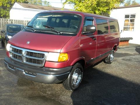 2002 Dodge Ram Wagon for sale in Roseville, MI