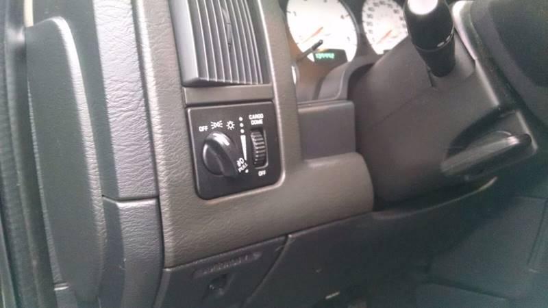 2004 Dodge Ram Pickup 3500 4dr Quad Cab SLT 4WD SB - Elba NY