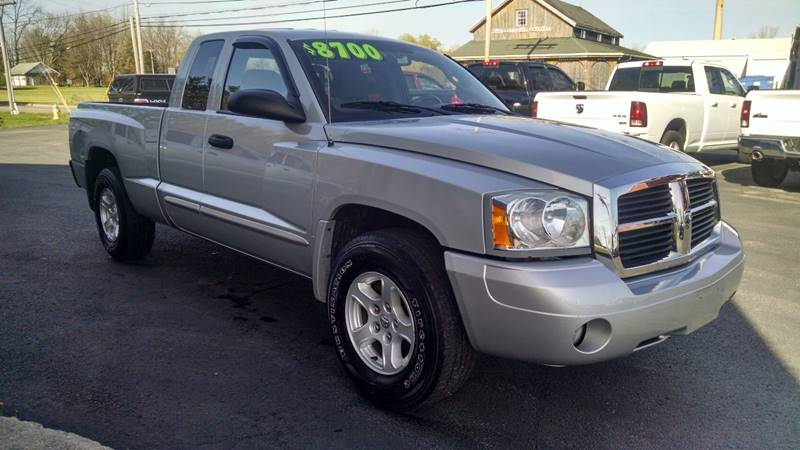 2005 Dodge Dakota 4WD SLT 4dr Club Cab SB - Elba NY