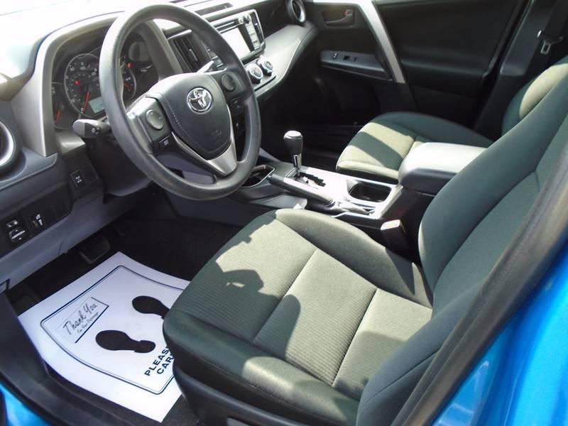 2016 Toyota RAV4 AWD LE 4dr SUV - Fairfield IA