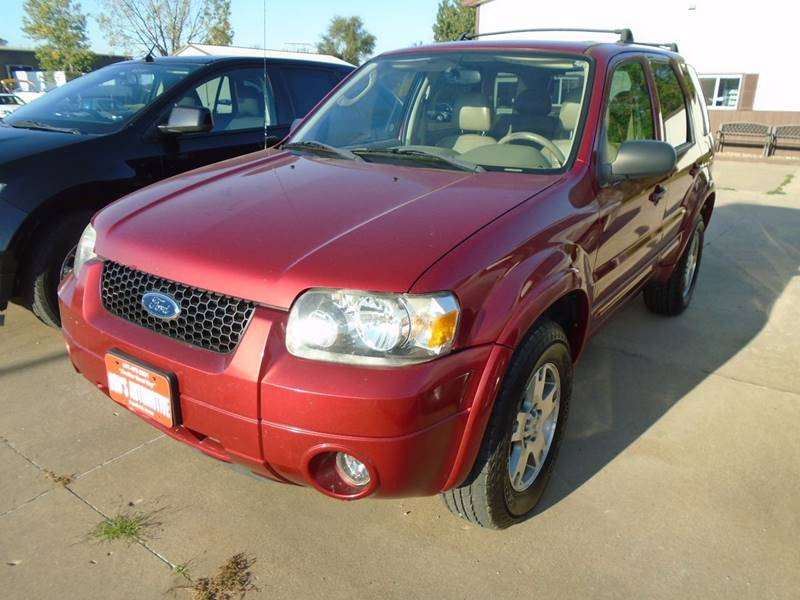 2005 Ford Escape AWD Limited 4dr SUV - Fairfield IA