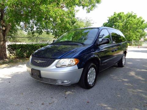 2003 Chrysler Town and Country for sale in Lauderhill, FL