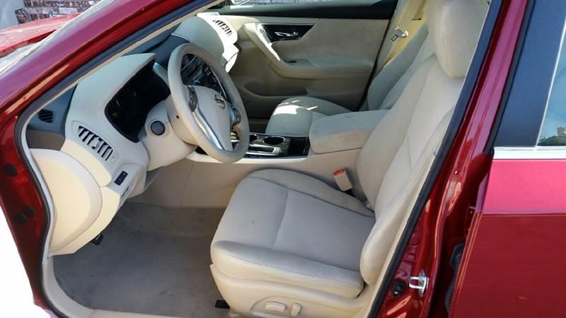 2013 Nissan Altima 2.5 SV 4dr Sedan - Clay Center KS