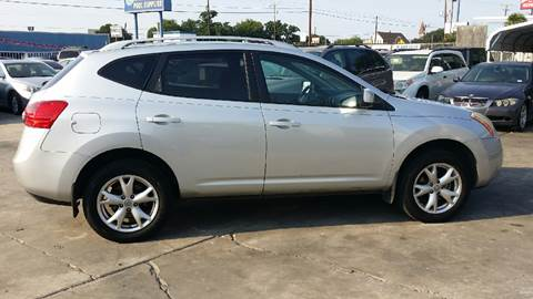 2008 Nissan Rogue for sale at Dubik Motor Company in San Antonio TX