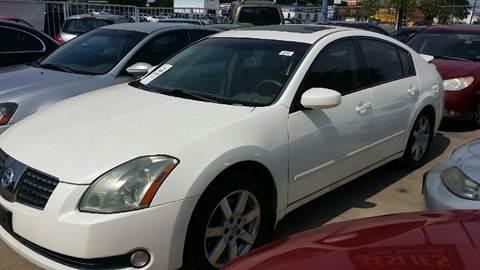 2005 Nissan Maxima for sale at Dubik Motor Company in San Antonio TX