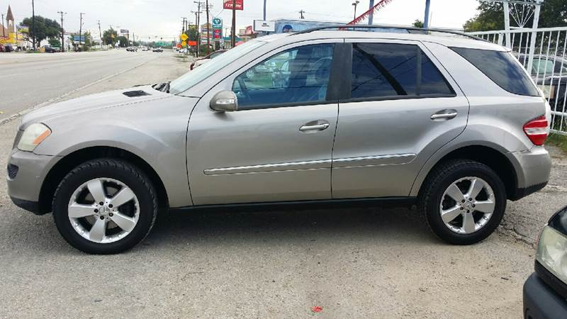 2006 Mercedes-Benz M-Class for sale at Dubik Motor Company in San Antonio TX