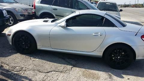 2005 Mercedes-Benz SLK for sale at Dubik Motor Company in San Antonio TX