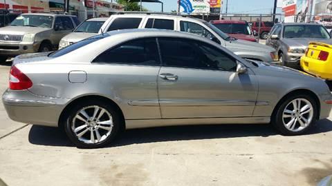 2006 Mercedes-Benz CLK for sale at Dubik Motor Company in San Antonio TX