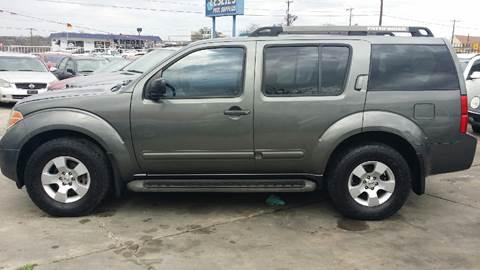 2007 Nissan Pathfinder for sale at Dubik Motor Company in San Antonio TX
