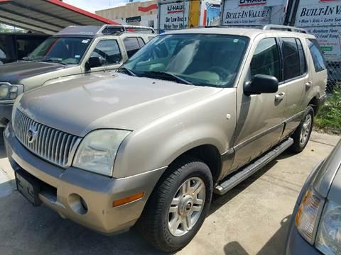 2004 Mercury Mountaineer for sale at Dubik Motor Company in San Antonio TX