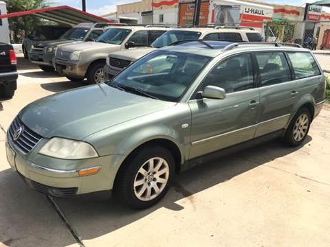 2002 Volkswagen Passat for sale at Dubik Motor Company in San Antonio TX