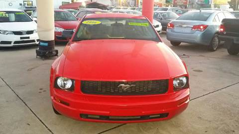 2007 Ford Mustang for sale at Dubik Motor Company in San Antonio TX