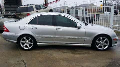 2007 Mercedes-Benz C-Class for sale at Dubik Motor Company in San Antonio TX
