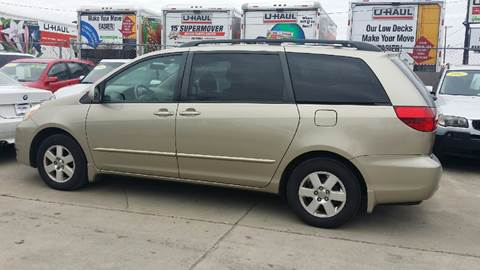2004 Toyota Sienna for sale at Dubik Motor Company in San Antonio TX