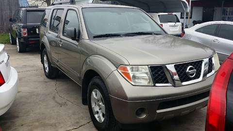 2005 Nissan Pathfinder for sale at Dubik Motor Company in San Antonio TX
