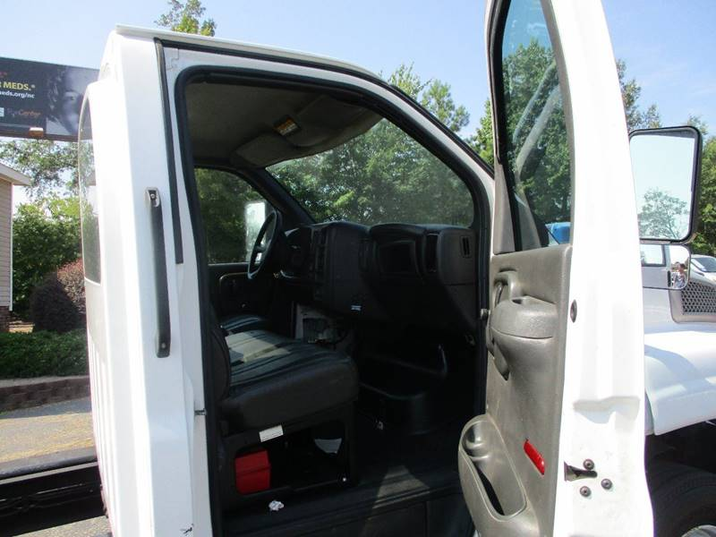 2005 GMC C5500 4X2 2dr Regular Cab 128-224 in. WB - Raleigh NC
