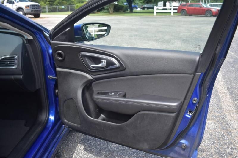 2015 Chrysler 200 Limited 4dr Sedan - Raleigh NC