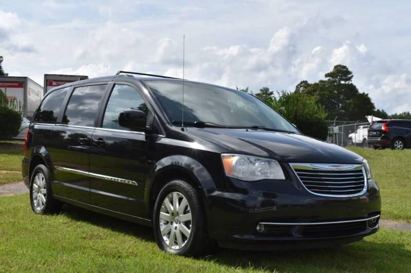 2016 Chrysler Town and Country Touring 4dr Mini-Van - Raleigh NC
