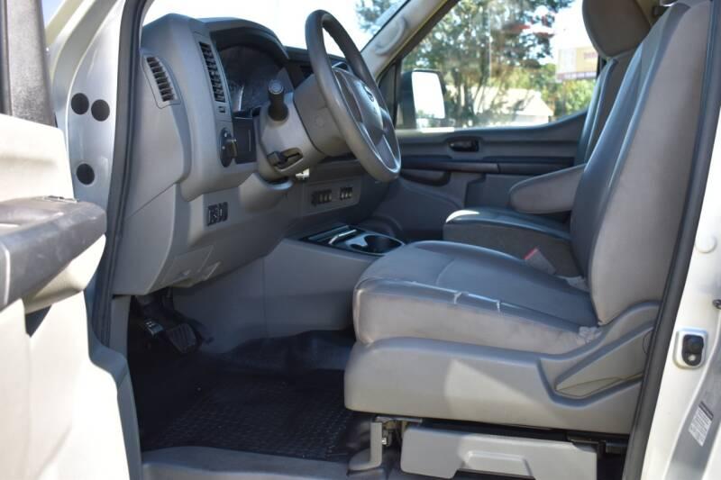2016 Nissan NV Passenger 3500 HD SV 3dr Passenger Van (V6) - Raleigh NC