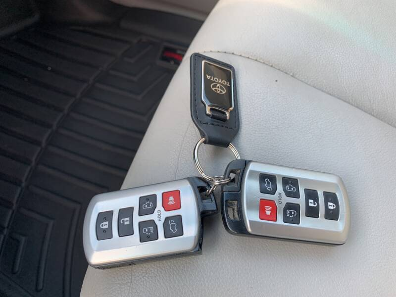 2012 Toyota Sienna AWD XLE 7-Passenger 4dr Mini-Van - Newfoundland NJ